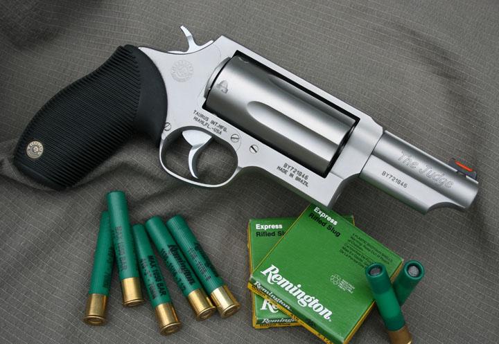 handgun review the taurus judge gungunsguns net
