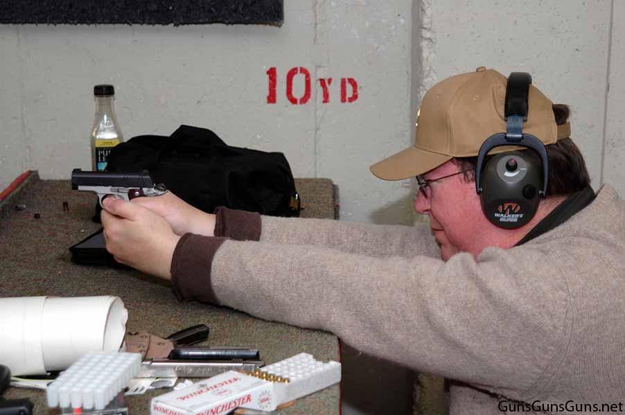 Kimber Micro Carry shooting photo