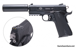 The GSG 922 with the faux suppressor attached.