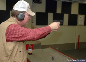 Walt M Rauch shoots Glock 43 phto